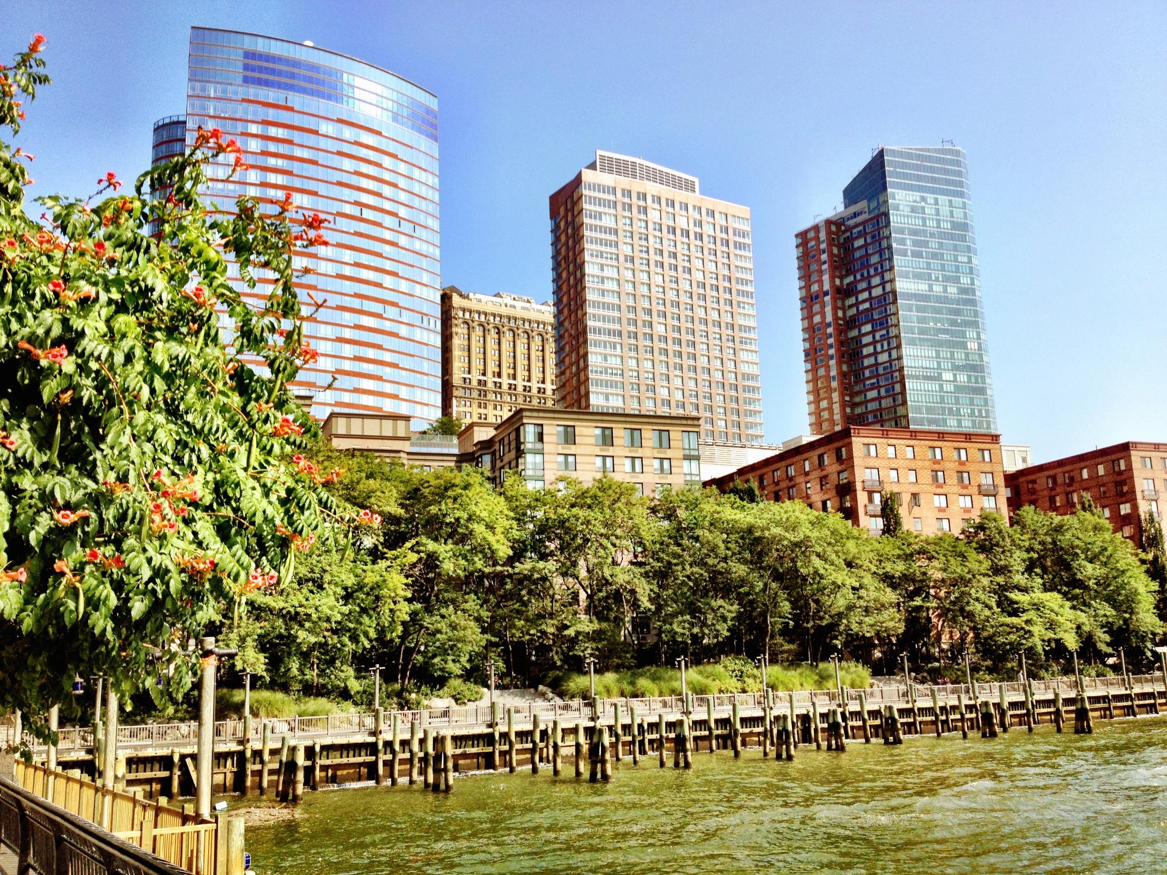 Moderne Gebäude in Battery Park