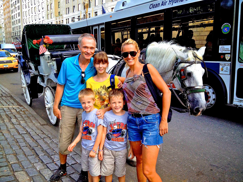 Die ganze Familie kurz nach der Ankunft.